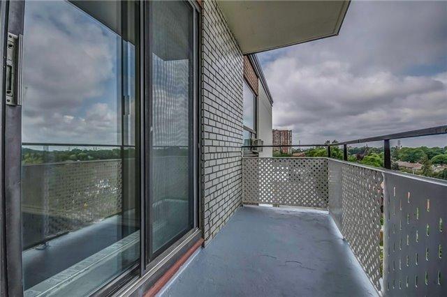 Condo Apartment at 915 Midland Ave, Unit 703, Toronto, Ontario. Image 7