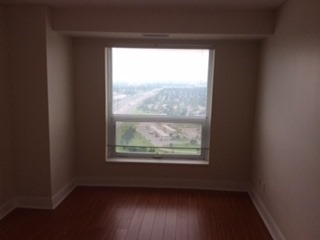 Condo Apartment at 125 Village Green Sq, Unit 3906, Toronto, Ontario. Image 8