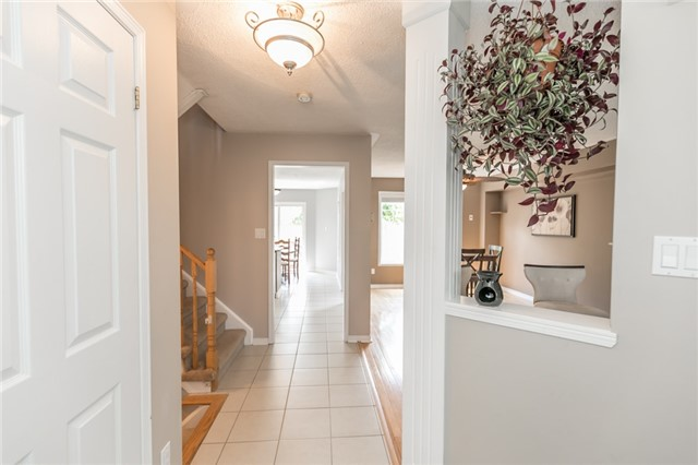 Detached at 58 Fitzpatrick Crt, Whitby, Ontario. Image 15