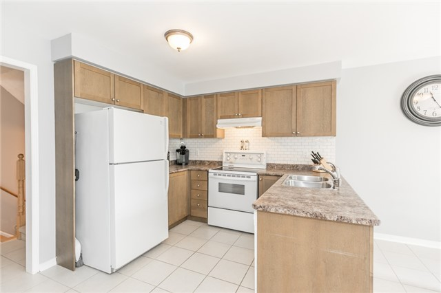Detached at 58 Fitzpatrick Crt, Whitby, Ontario. Image 20