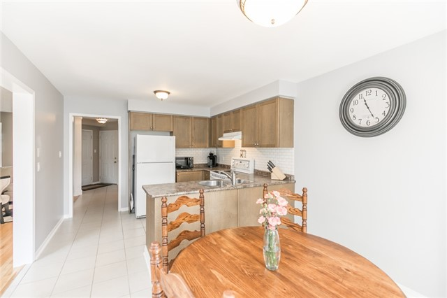 Detached at 58 Fitzpatrick Crt, Whitby, Ontario. Image 4