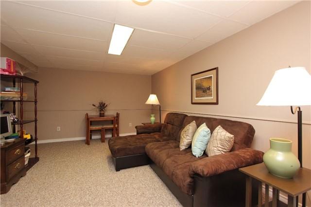 Detached at 398 Grange Crt, Oshawa, Ontario. Image 8