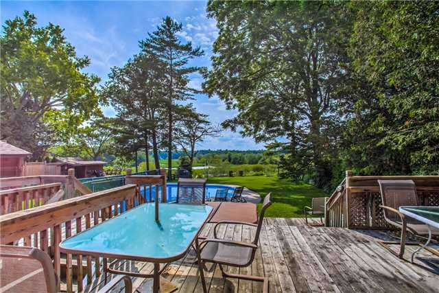 Detached at 326 Dyson Rd, Pickering, Ontario. Image 2
