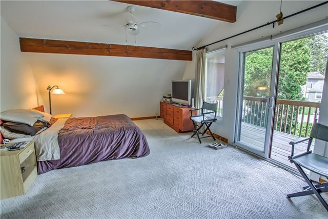Detached at 326 Dyson Rd, Pickering, Ontario. Image 9