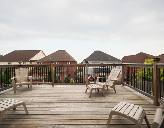 Detached at 667 Blackwood Blvd, Oshawa, Ontario. Image 2
