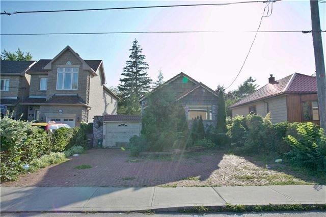 Detached at 18 Sandown Ave, Toronto, Ontario. Image 12