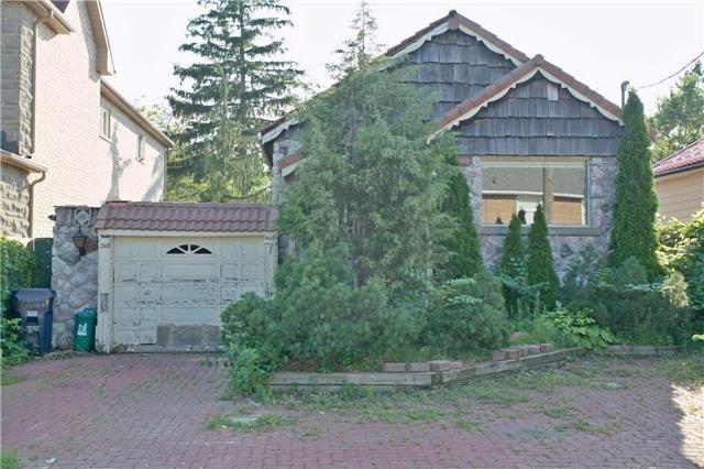 Detached at 18 Sandown Ave, Toronto, Ontario. Image 14