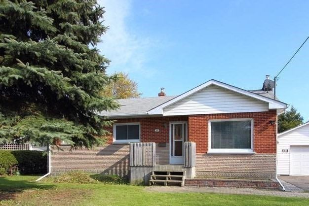 Detached at 25 Concession St E, Clarington, Ontario. Image 1