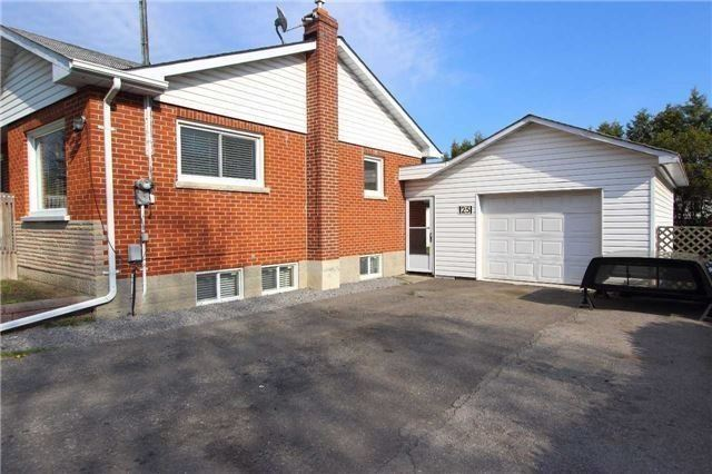 Detached at 25 Concession St E, Clarington, Ontario. Image 9