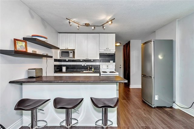Condo Apartment at 123 Woodbine Ave, Unit 302, Toronto, Ontario. Image 15