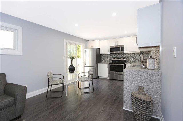 Detached at 829 Athol St, Whitby, Ontario. Image 16