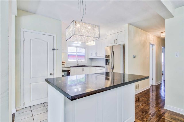 Detached at 3806 Lawrence Ave E, Toronto, Ontario. Image 17