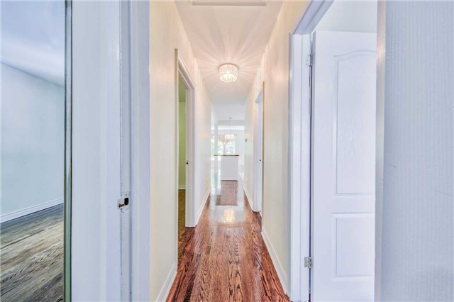 Detached at 3806 Lawrence Ave E, Toronto, Ontario. Image 19