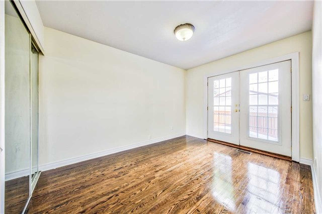 Detached at 3806 Lawrence Ave E, Toronto, Ontario. Image 2