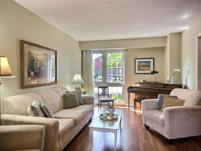 Townhouse at 1829 Foleyet Cres, Pickering, Ontario. Image 14