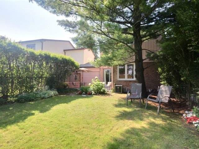 Townhouse at 1829 Foleyet Cres, Pickering, Ontario. Image 11
