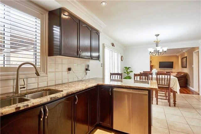 Detached at 34 Foster Cres, Whitby, Ontario. Image 16