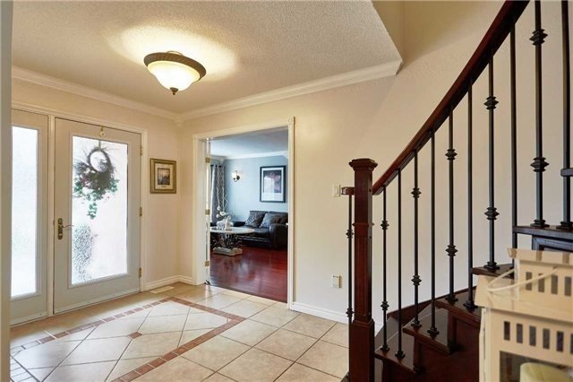 Detached at 34 Foster Cres, Whitby, Ontario. Image 19
