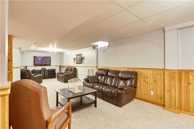 Detached at 34 Foster Cres, Whitby, Ontario. Image 7