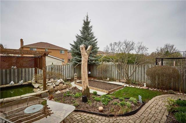 Detached at 34 Foster Cres, Whitby, Ontario. Image 10