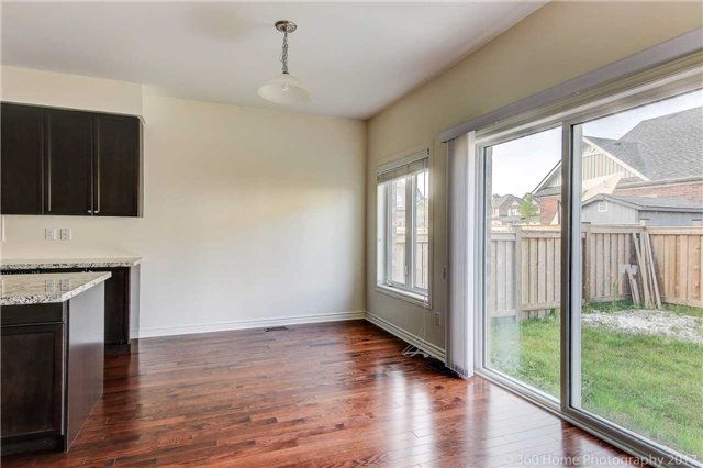 Detached at 3 Sandgate St, Whitby, Ontario. Image 17