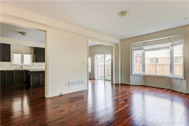 Detached at 3 Sandgate St, Whitby, Ontario. Image 18