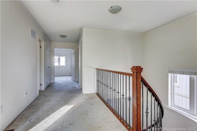 Detached at 3 Sandgate St, Whitby, Ontario. Image 20