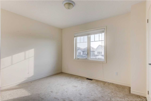 Detached at 3 Sandgate St, Whitby, Ontario. Image 2