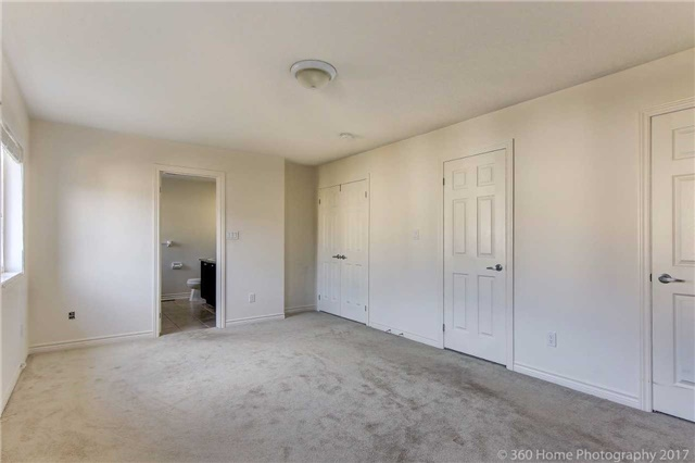 Detached at 3 Sandgate St, Whitby, Ontario. Image 10