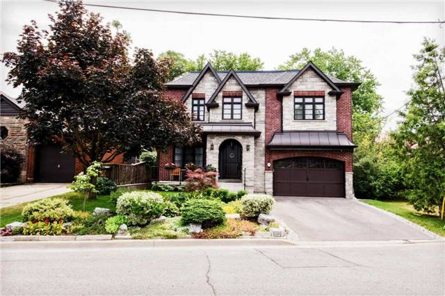 Detached at 1 Dustan Cres E, Toronto, Ontario. Image 1