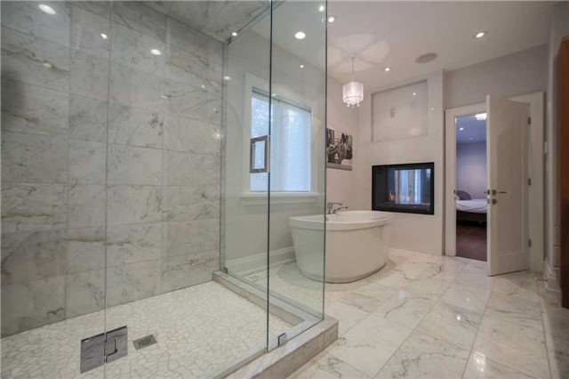 Detached at 1 Dustan Cres E, Toronto, Ontario. Image 20