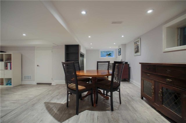 Detached at 1 Dustan Cres E, Toronto, Ontario. Image 10