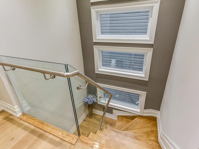 Detached at 281 Rhodes Ave, Toronto, Ontario. Image 20