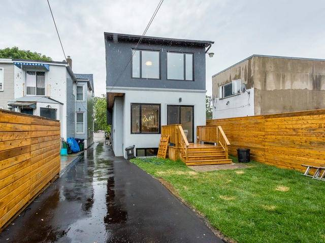 Detached at 281 Rhodes Ave, Toronto, Ontario. Image 13