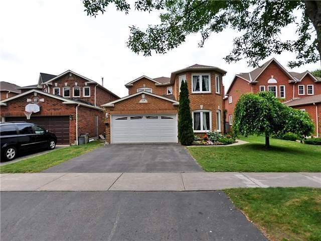 Detached at 18 Fencerow Dr, Whitby, Ontario. Image 1