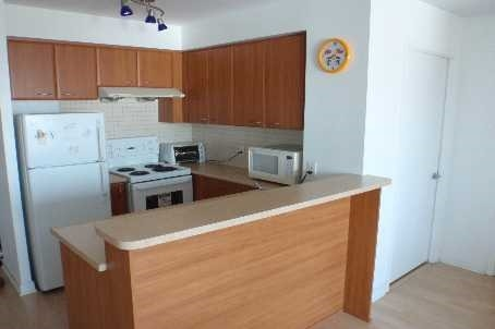 Condo Apartment at 38 Lee Centre Dr, Unit 1802, Toronto, Ontario. Image 4