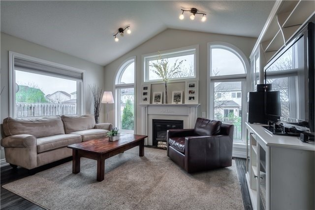 Detached at 213 Willowbrook Dr, Whitby, Ontario. Image 18