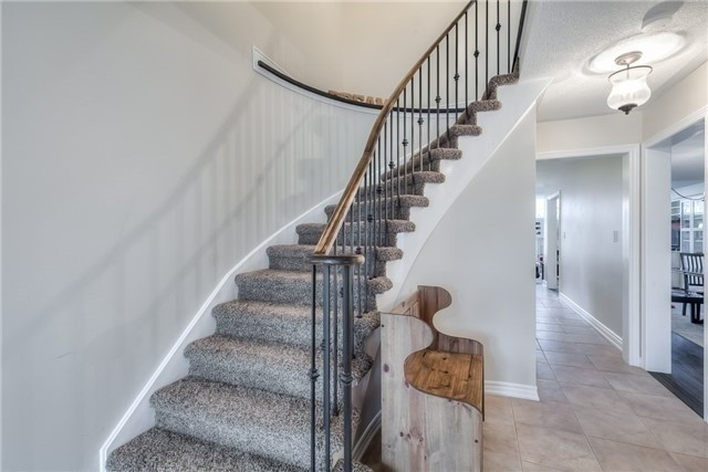 Detached at 213 Willowbrook Dr, Whitby, Ontario. Image 4