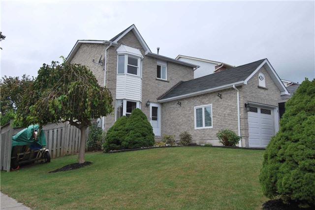 Link at 2 Elmeroy Crt, Whitby, Ontario. Image 1