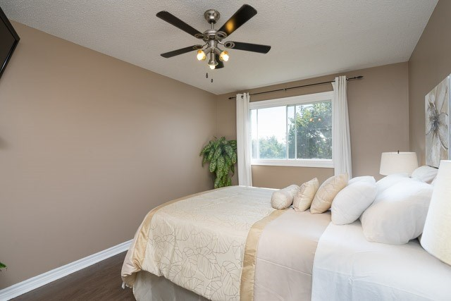 Link at 2 Elmeroy Crt, Whitby, Ontario. Image 5