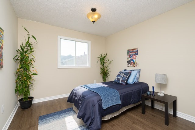 Link at 2 Elmeroy Crt, Whitby, Ontario. Image 8