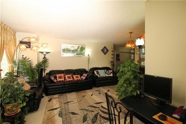 Condo Apartment at 5 Greystone Walk Dr, Unit 413, Toronto, Ontario. Image 10