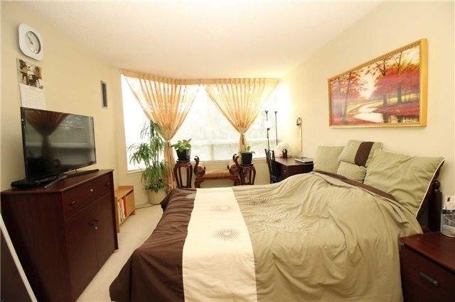 Condo Apartment at 5 Greystone Walk Dr, Unit 413, Toronto, Ontario. Image 16