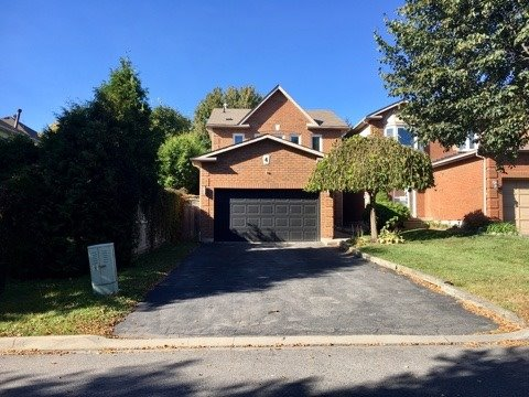 Detached at 4 Fulton Cres, Whitby, Ontario. Image 1