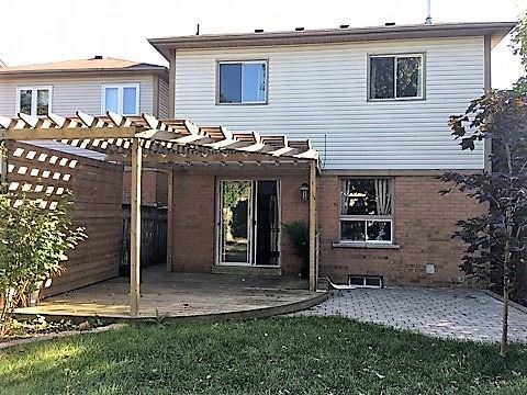Detached at 4 Fulton Cres, Whitby, Ontario. Image 12