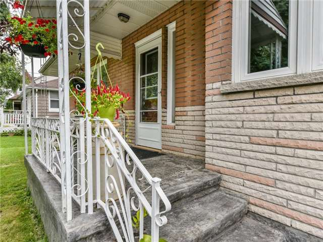 Detached at 24 Cresser Ave, Whitby, Ontario. Image 12