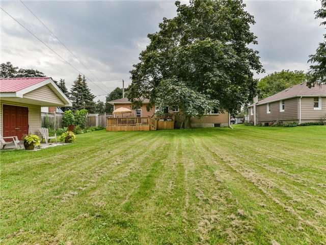 Detached at 24 Cresser Ave, Whitby, Ontario. Image 13