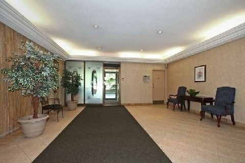 Condo Apartment at 121 Trudelle St, Unit 412, Toronto, Ontario. Image 10