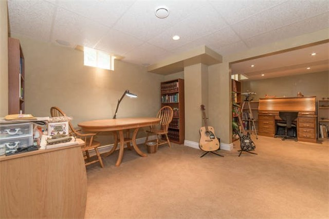 Detached at 1081 Beaver Valley Cres, Oshawa, Ontario. Image 11