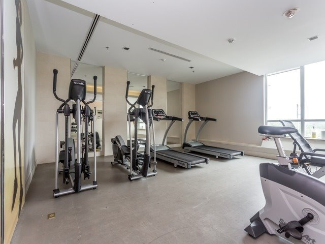 Condo Apartment at 1235 Bayly St, Unit 714, Pickering, Ontario. Image 10